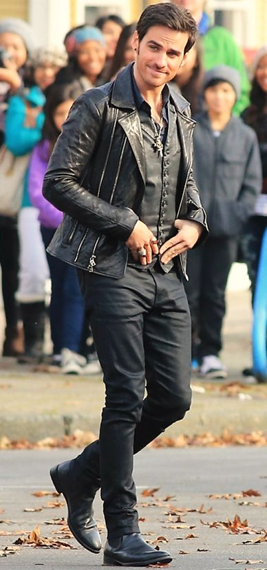 Here's Hook all dapper and happy. Off to save the realm and look damn good doing it.