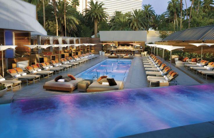 Bare Pool Lounge Topless Piscina. Bare es un salón de la piscina para adultos, donde las mujeres son libres para divertirse (estilo europeo) en topless, ultra tumbonas elegantes aguardan su llegada y el atento personal del bar... http://lasvegasnespanol.com/en-las-vegas/bare-pool-lounge-topless-piscina/