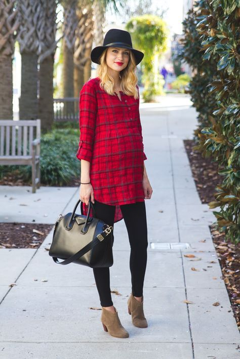 Maternity outfit ideas for fall and winter. This red shirt dress is smart and stylish.
