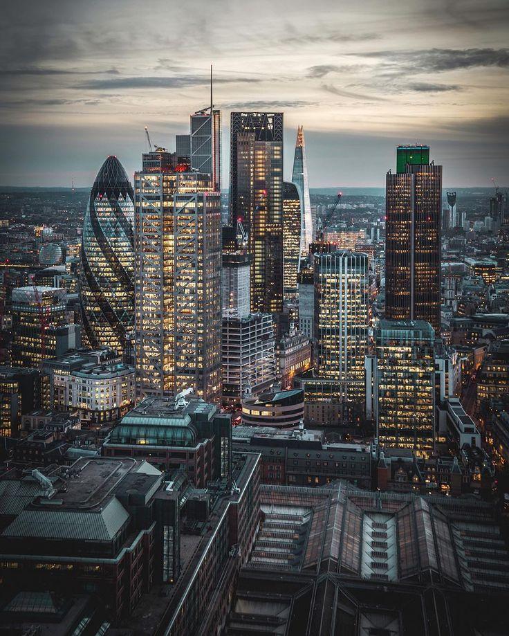 "50.7 mil Me gusta, 154 comentarios - @LONDON (@london) en Instagram: ""Epic #London by @Devise.inspire  @LONDON TV  Episode 4 goes live 12.00. It's a killer episode…"""