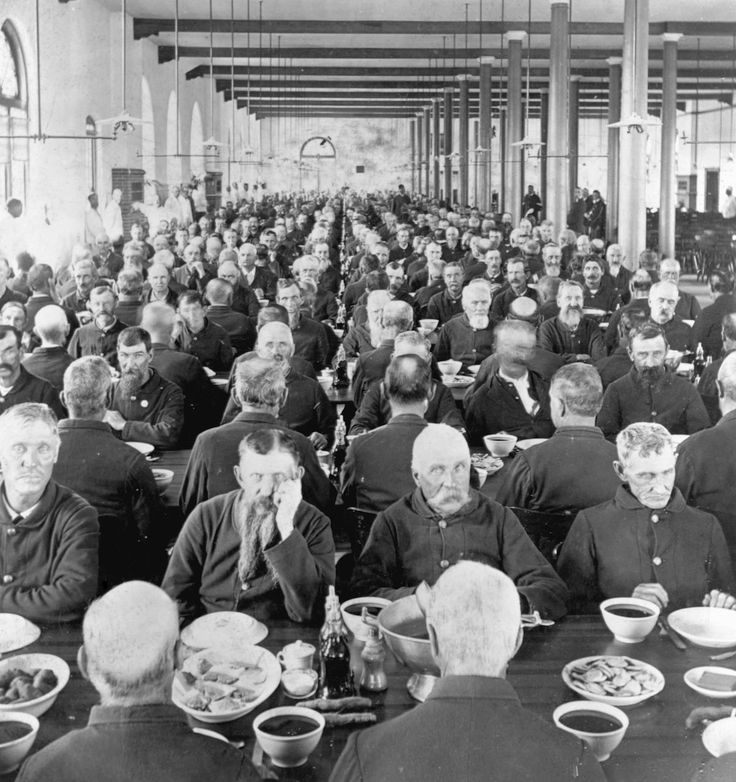 c. 1898  Marion, Indiana — Veterans eat their meals in the dining hall of the National Soldiers' Home, a facility for the care of disabled American veterans, many from the Civil War. How the last American Civil War veterans lived, loved and died.
