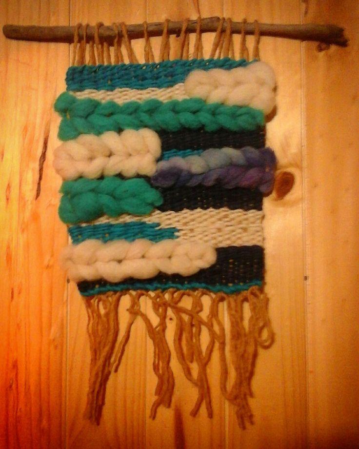 weaving natural wool telar decorativo, lana y vellón natural  #rukalafartesanias  Cardonal, costa sur del Maule.