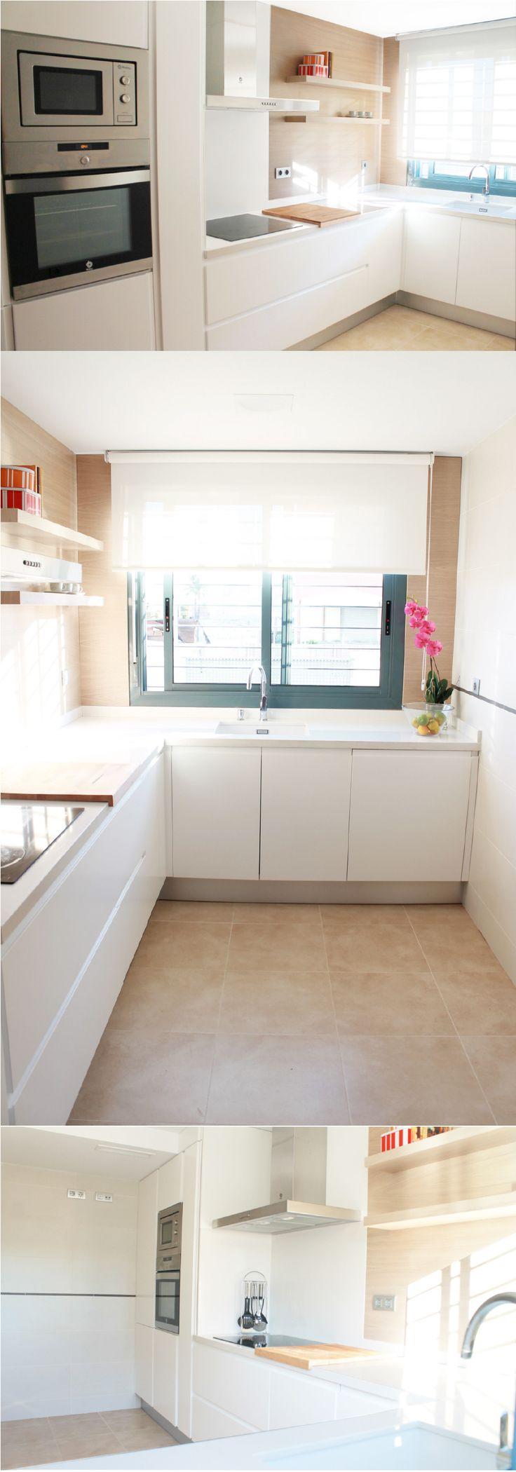 La-casa-de-Miguel-COCINA. Cocina en lacado blanco mate / Roble Natural. ALARCA. Estudio creativo. www.alarcaestudiocreativo.es