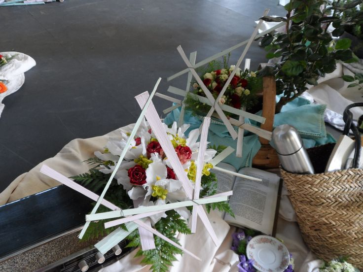 Bouquet Rosas bicolor + Iris blanco