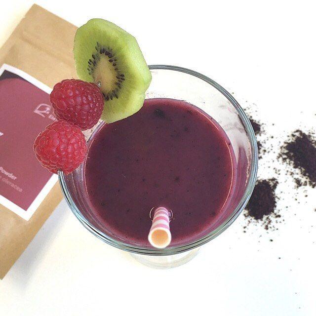 Superfood-Smoothie mit Acai Pulver von Terra Elements