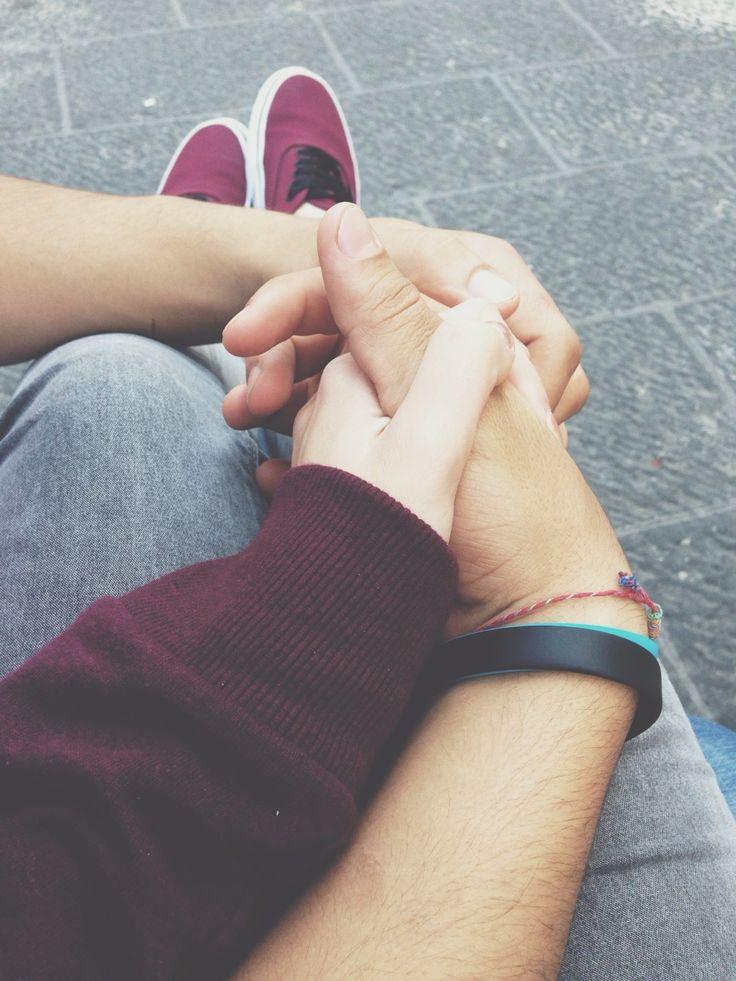 Estamos juntos, tomados de la mano.
