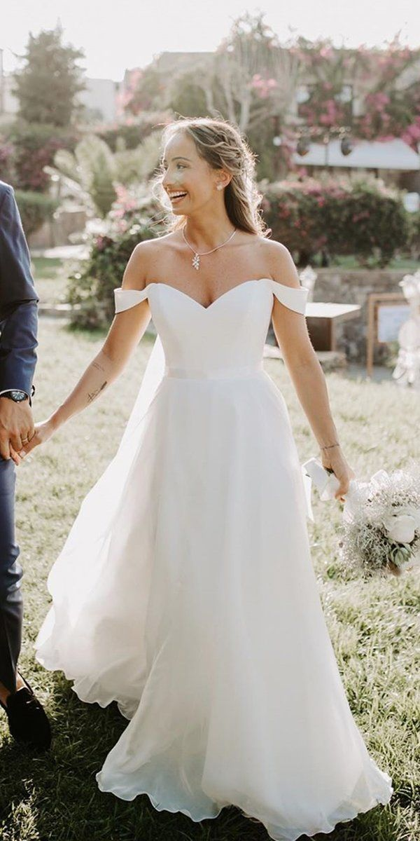 30 Simple Wedding Dresses For Elegant Brides Wedding Forward Garden Wedding Dresses Wedding Dresses Elegant Wedding Dress
