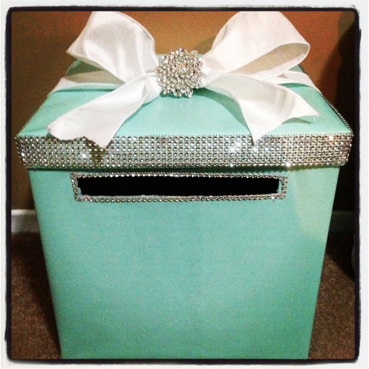 Spray a box, cut a slot, decorate it. voila, a Breakfast At Tiffany Gift Card box.
