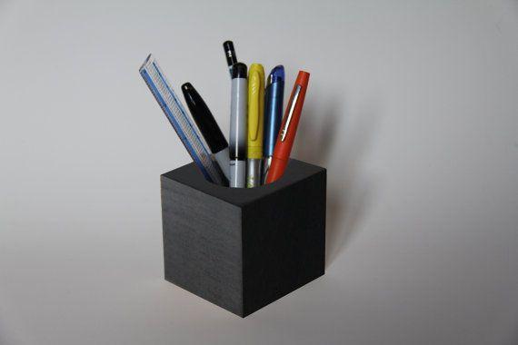 17 meilleures id es propos de crayon noir sur pinterest tenues de travail professionnels. Black Bedroom Furniture Sets. Home Design Ideas