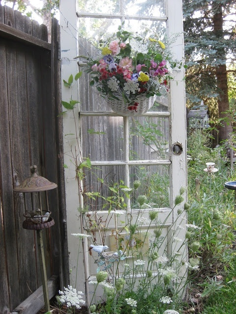 78 images about garden ideas with old doors on pinterest for Idea for old doors