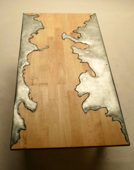CARVE TABLE
