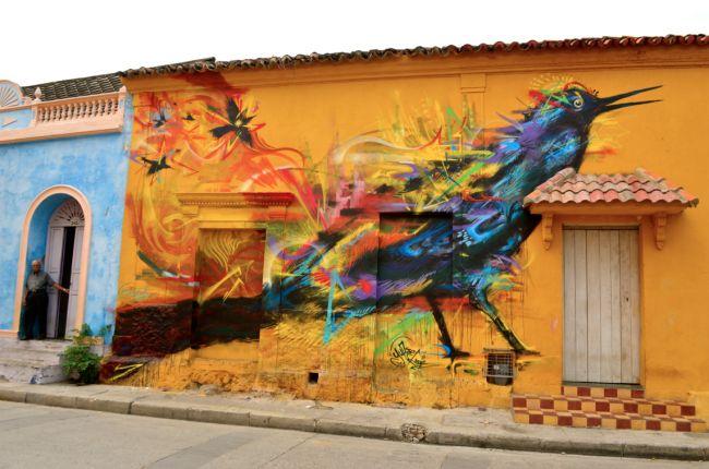 Cartagena - A poucos passos do centro histórico, o bairro de Getsemaní ostenta belos muros grafitados, além de, claro, abundantes flores e cores. Grafiteiros famosos de Bogotá, como Lik Mi e Obra Pia, são alguns que passaram por lá deixando sua arte.