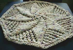 Free Knitted Round Dishcloth Patterns : Dishcloth, Free knitting and Doilies on Pinterest