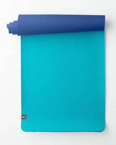 Two blues are better than one. This comfy, reversible mat has natural anti-slip properties to keep you rooted in pose.