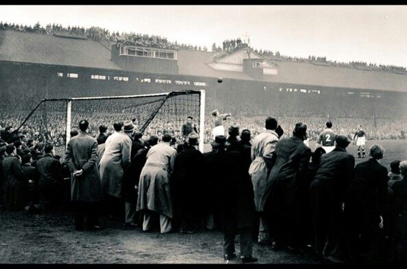 Stamford Bridge back in 1945 for a friendly between Chelsea and Dynamo Moscow