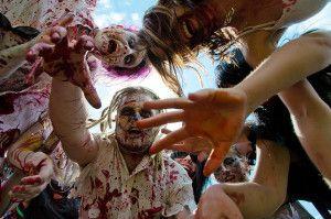 """Juego para Halloween: Pasadizo de los zombies"""".  http://www.kidearea.com/juegos-para-halloween-el-pasadizo-de-los-zombies/"""