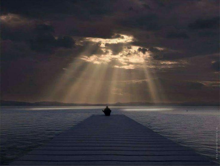 أشرق و كأن الكون كله لك .................. #جلال_الدين_الرومي