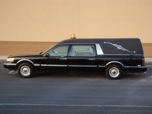 1997 Lincoln Continental Town Car Hearse