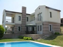 This stunning four bedroom detached villa is set in a tranquil country area and is within a short walking distance to the town center of Kusadasi and the beautiful Ladies Beach. This superb property comes fully furnished, fully equipped and would be suitable for all year round living or be a great rental investment...Price: £90,000