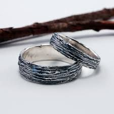 Do you find enjoyment in nature? Express this with these tree bark designed wedding rings which bring a different look compared to most wedding rings. #weddingrings #weddinginspiration #weddingideas #ruralweddings #devonweddingvenue #2016weddings