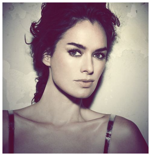 I love to HATE her as Cersei Lannister. Lena Headey is an amazing actress and looks beautiful in this picture.