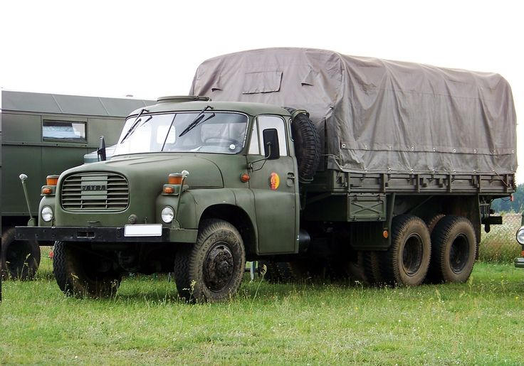 Tatra 148 6x6 VNM