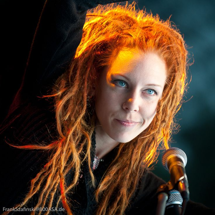 Maria Franz Chanteuse Du Groupe Heilung In 2019 Female