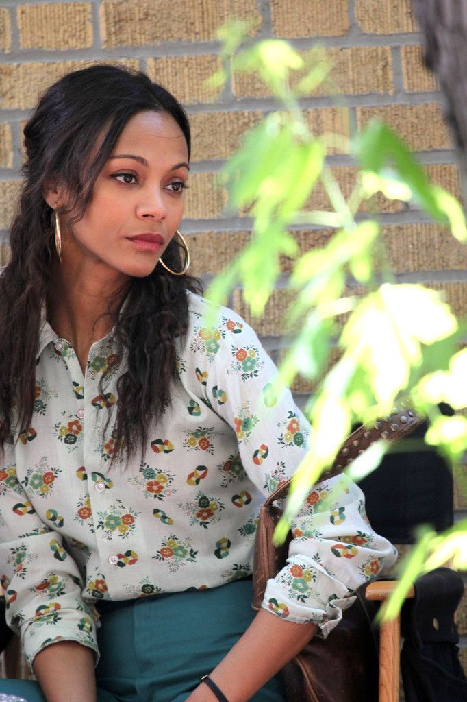 Zoe Saldana ...Voguish mode... In 2010, Saldana starred in The Losers in which she played Aisha al-Fadhil, for which she was required to gain weight, as she was expected to carry weapons around for eight hours a day.