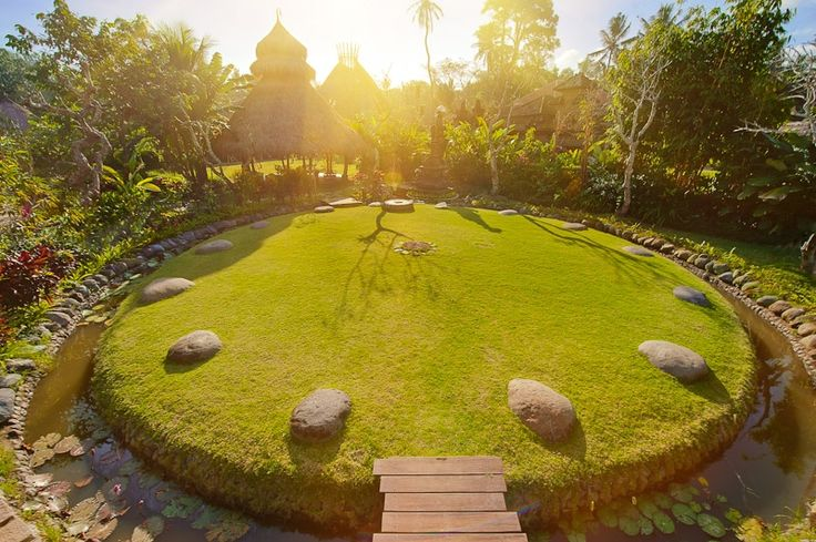 Bali: Looking for motivation to adopt a healthier lifestyle? Use the transformative power on the Island of Bali. Experience Balinese Healing, Living foods and the Sacred Arts at Bali's Fivelements Hotel.