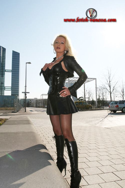 Fetish Lady Vanessa In Leather Fetish Vanessa