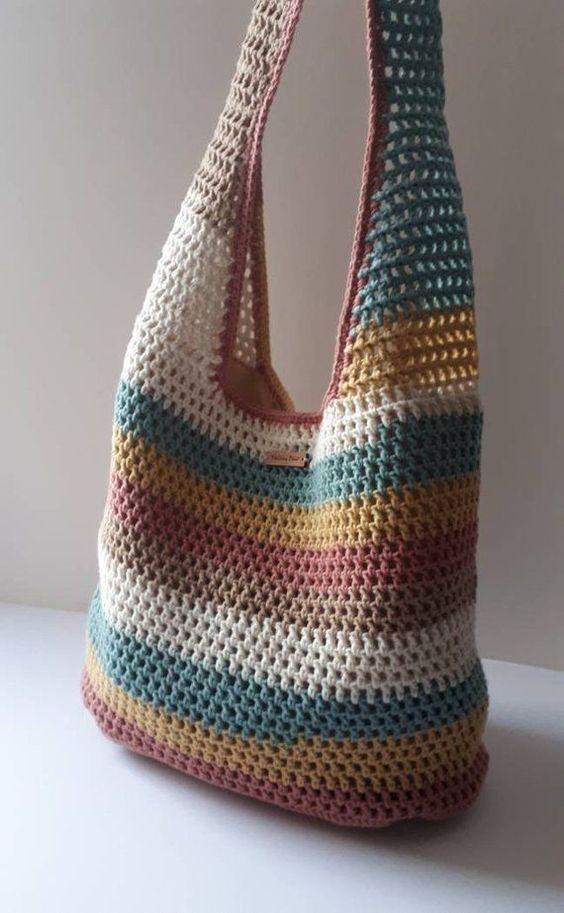 Aprenda como fazer lindas bolsas de crochê. Clique na Foto e Saiba Mais! #croche #croches… em 2020 | Bolsa de croche colorida, Bolsas de crochê, Padrões de bolsas de crochê