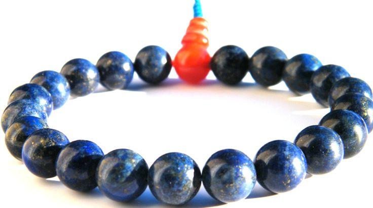 Lápisz lazuli karmala karneol guruval, speciális strapabíró malagumira fűzve. webáruházunkban itt találod: http://www.tibetan-shop-tharjay-norbu-zangpo.hu/mala/feldragako_mala_71/kezi_gumis_94