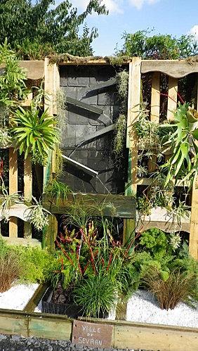 Une fontaine en palettes