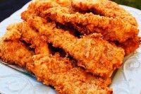 I calamari fritti sono un piatto di mare veloce e facile da preparare. La croccante panatura data dalla farina, la forma tonda degli anelli di calamaro, il sapore intenso e piacevole che si gusta ad ogni morso, rendono questo piatto irresistibile. Il segreto per un piatto perfetto sta nella temperatura dell'olio e nel servirli a tavola ben caldi.