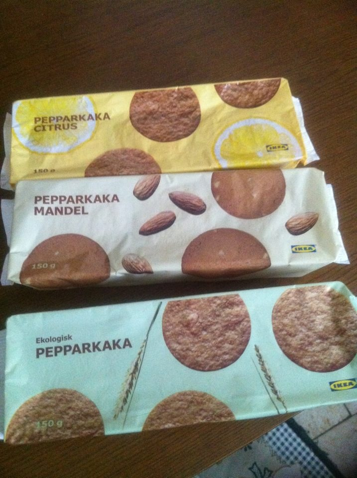 Swedish Ginger Cookies from Ikea that my friends Paolo and Luciana bought for me.. <3