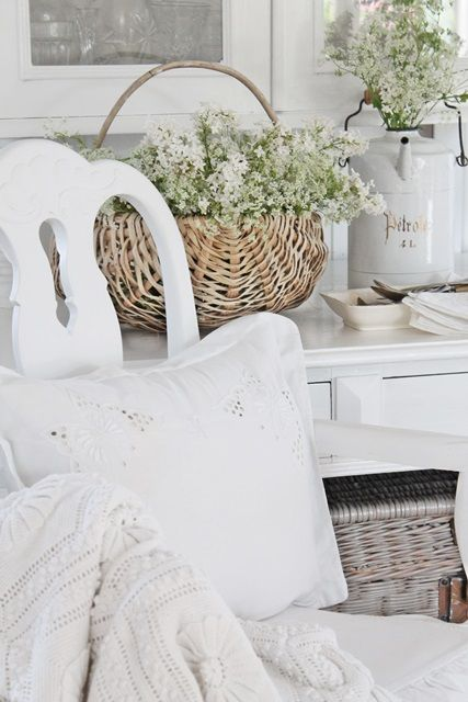 Furnishings:  #Shabby #Chic decor. - http://myshabbychicdecor.com/furnishings-shabby-chic-decor-2/