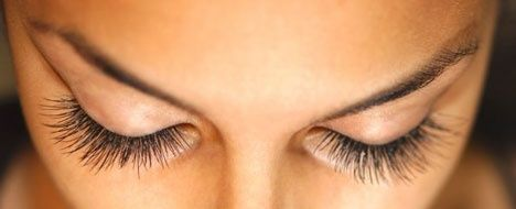 how to get long thick beautiful lashes. 1/4 castor oil, 1/2 vitamin e oil, 1/4 aloe vera gel. Mix, apply nightly with a clean mascara brush. Notice results in one month.
