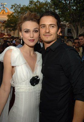 *KEIRA KNIGHTLEY & ORLANDO BLOOM: at event of Pirates of the Caribbean: Dead Man's Chest, 2006