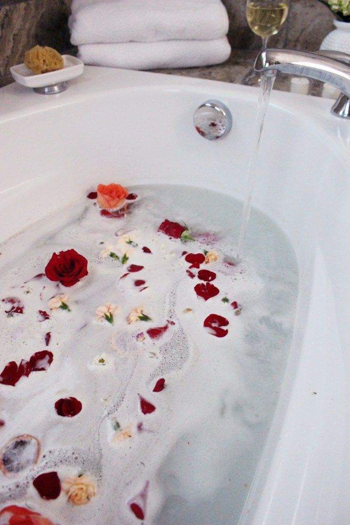 Zoe With Love creates a rose infused milk bath, perfect for pampering and treating yourself to some me time.