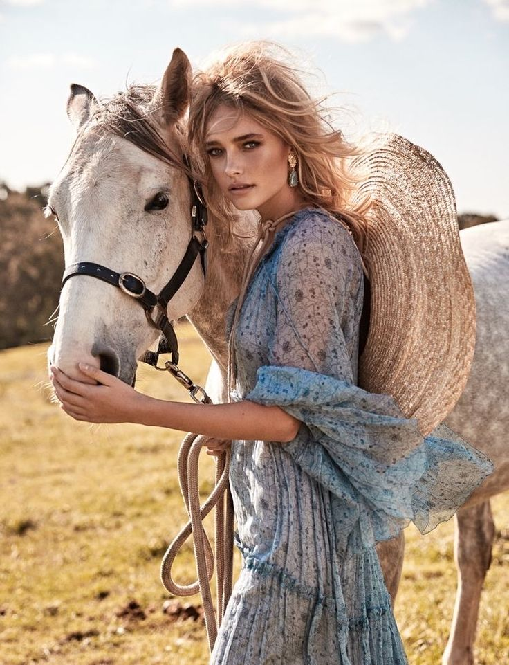 Pin by 🌺Dominique🌺 on Equestrian | Editorial fashion ...