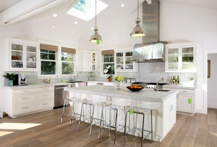 White shaker cabinets, Shaker cabinets and Lime wash on Pinterest