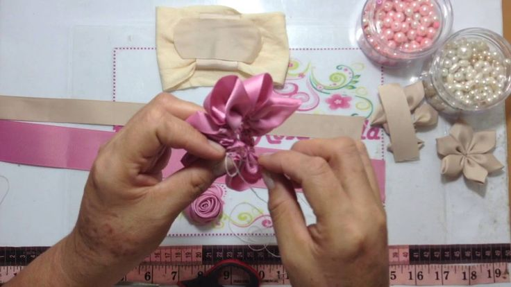 Tiara con flores de listón VIDEO 343