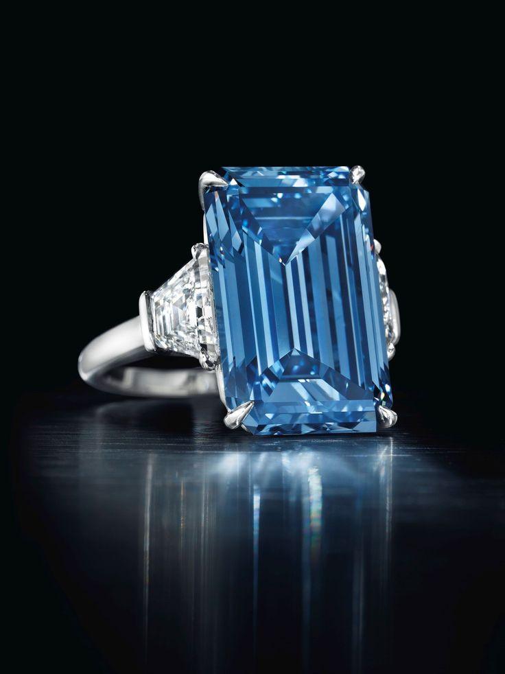 Per adesso tra le stelle del firmamento dei diamanti il più splendente è l'Oppenheimer Blu venduto dalla casa d'aste Christie's: vanta 14.6 carati ed è stato battuto a 57.5 milioni di dollari.