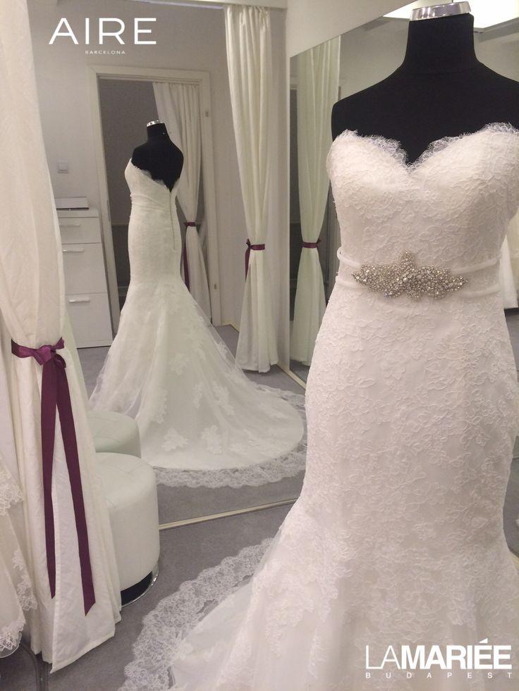 esküvői ruha Amelie törtfehér színben is http://lamariee.hu/eskuvoi-ruha/aire-2015/amelie