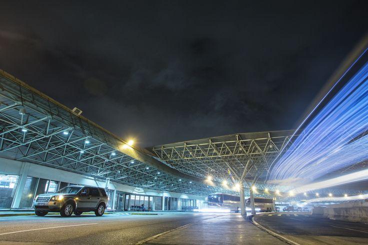 Aeroporto do Galeão. Da série Rio Galeão. #aeroportogaleao #rj #riodejaneiro #brasil #insideout #luz #photo #marcelocoelho #reallife #lifestyle  @marcelocoelhofotografia www.marcelocoelho.com
