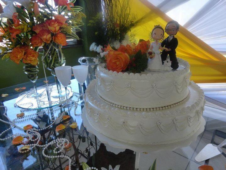 Bolo redondo 2 andares para casamento