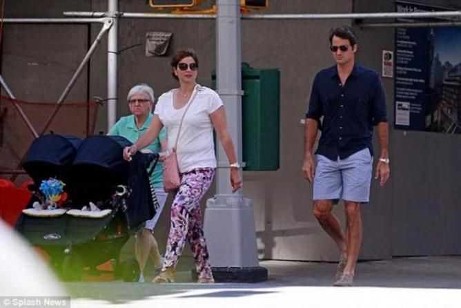 Roger Federer Takes a Walk in New York City With Mirka and the Kids