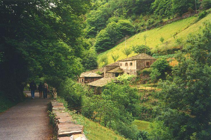 Paisagem da vila de Teixois, em Taramundi, nas Astúrias, Espanha. Fotografia: lou CC BY-SA 3.0 MeuNome (Lourdes).