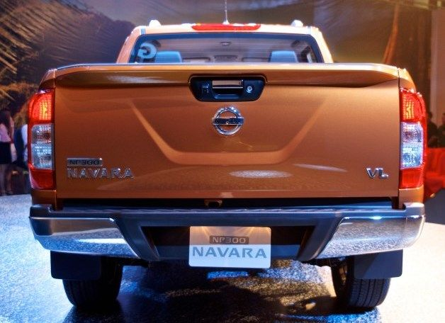 Nice rear view of #Nissan #Navara #PickupTruck 2015. New Model Nissan Navara NP300 Bangkok, Thailand available for export at Jim Autos Thailand http://toyota-dealer.org/2015-nissan-navara-np300.html