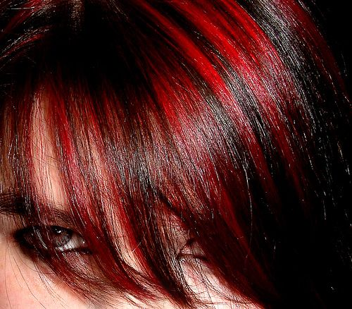 I don't know why but I love dark hair with bright red highlights in it